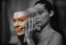 А как тогда насчет эмоций? Я гораздо чаще попадаюсь в ловушку своих эмоций, чем в ловушку своего ума.